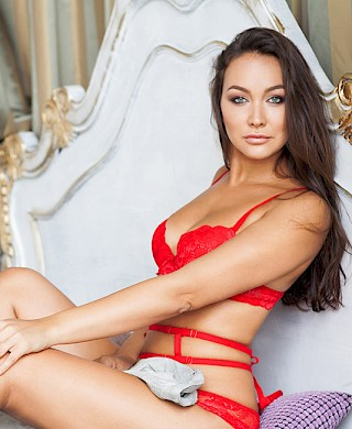 Olga vip girl Escort St-Petersburg