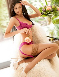 Analise Escort London