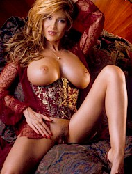 Evelyne attractive lady Escort Amsterdam